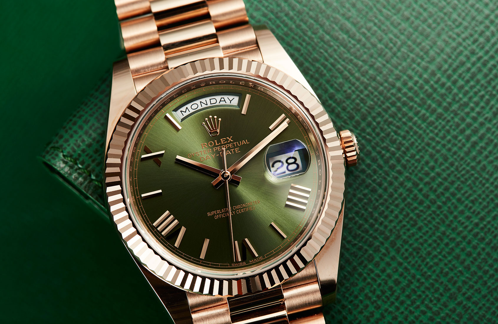 goi-y-lua-chon-dong-ho-rolex-like-auth-11-don-he-them-soi-dong-2